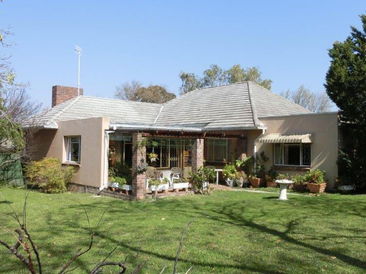 Property For Sale in Golden Acre, Somerset West 2