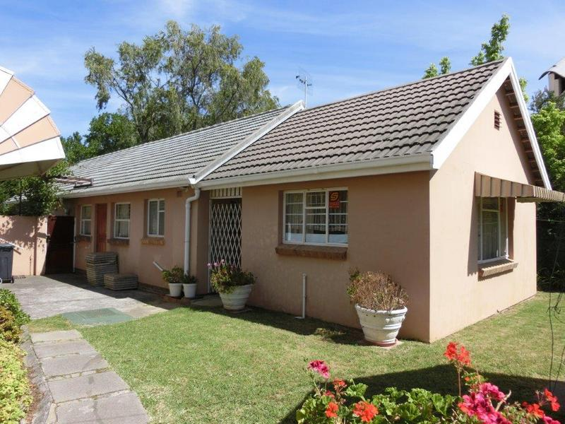 Property For Sale in Golden Acre, Somerset West 7