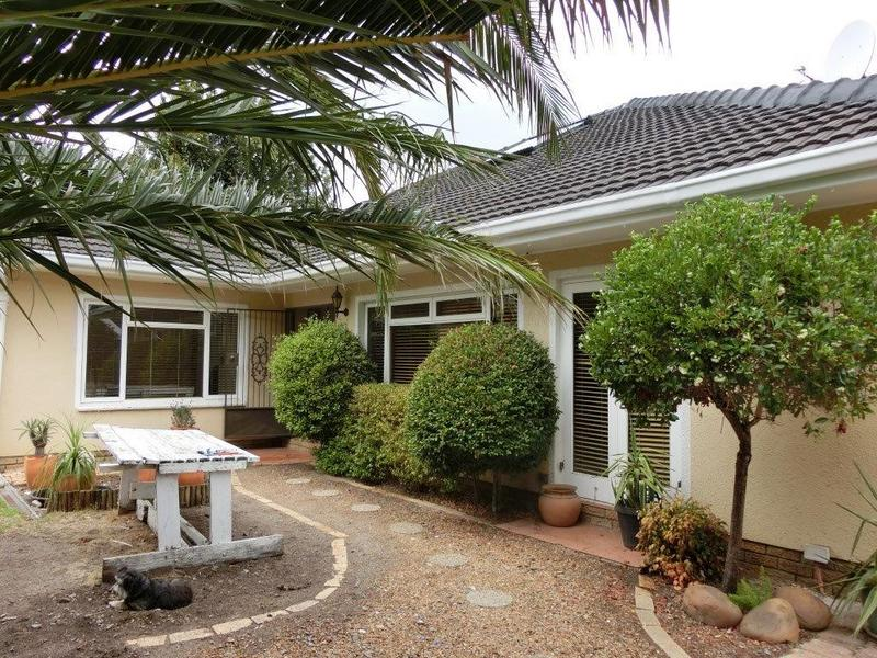 Property For Sale in Stuart'S Hill, Somerset West 1