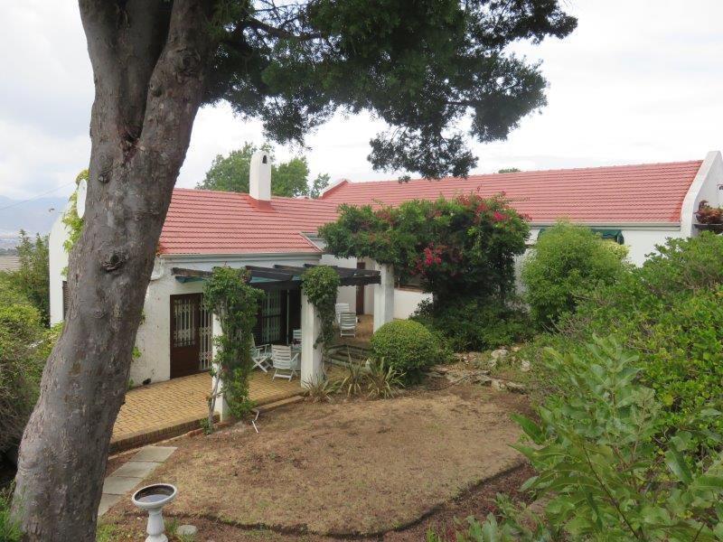 Property For Sale in Montclair, Somerset West 1
