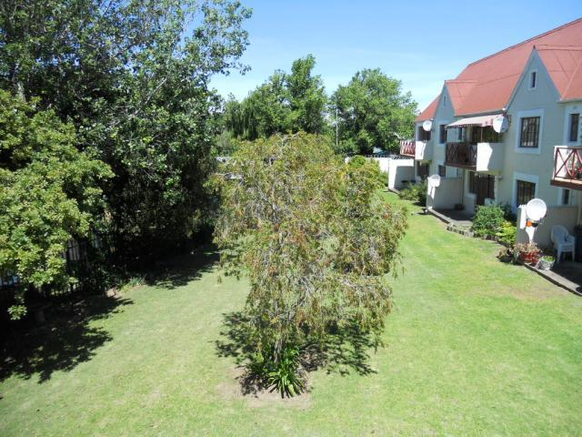 Property For Sale in Audas Estate, Somerset West 2