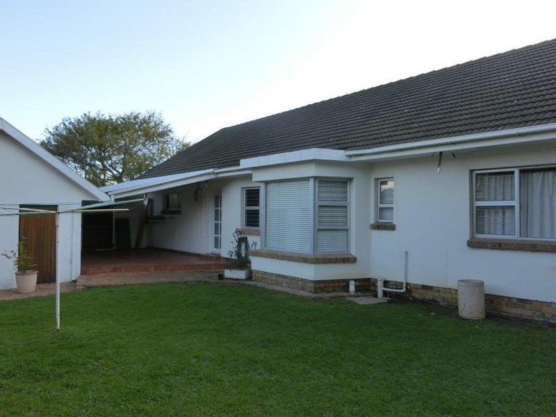 Property For Sale in Jacques Hill Estate, Somerset West 4