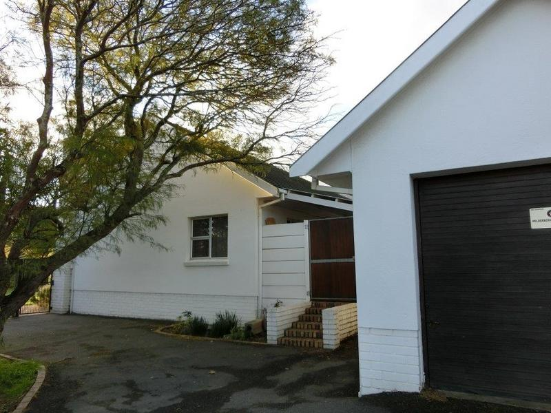 Property For Sale in Jacques Hill Estate, Somerset West 13