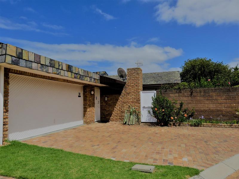 Property For Sale in Roundhay, Somerset West 1