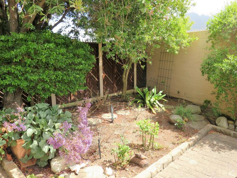 Property For Sale in Roundhay, Somerset West 17