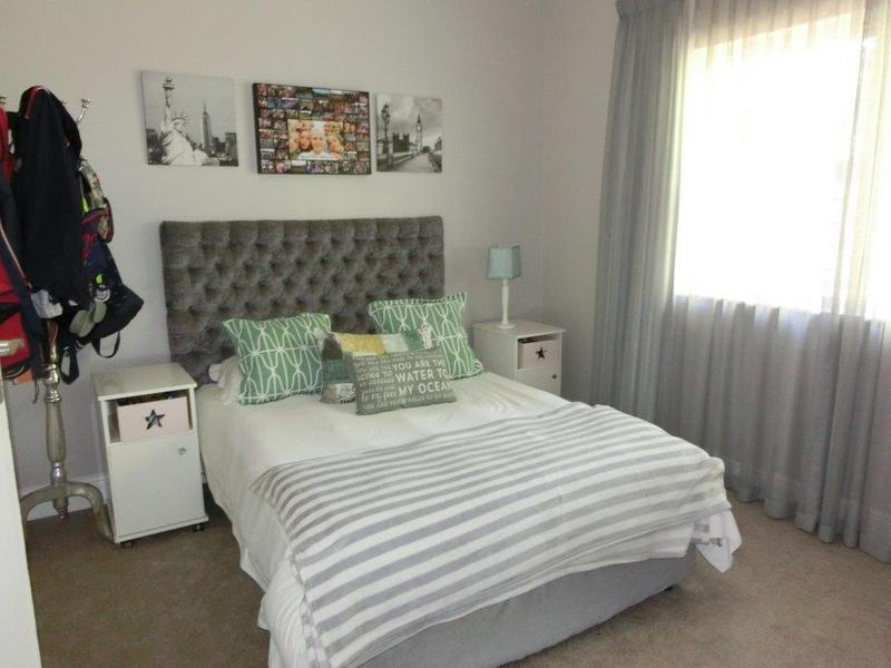 Property For Sale in Heldervue, Somerset West 13