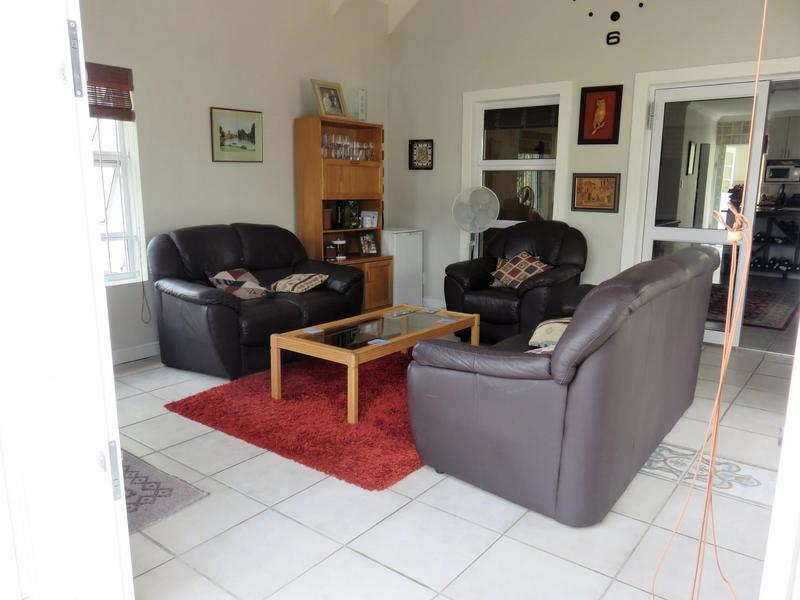 Property For Sale in Monte Sereno, Somerset West 8
