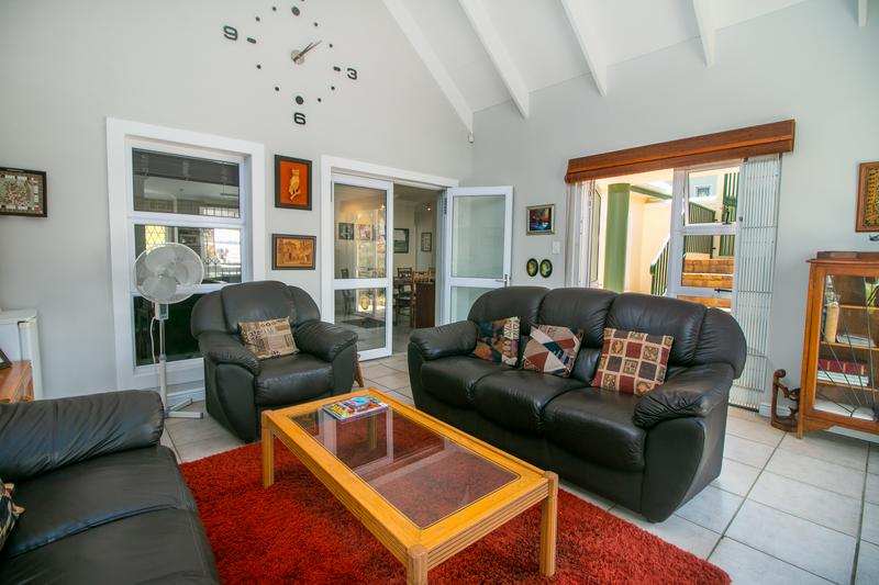 Property For Sale in Monte Sereno, Somerset West 7