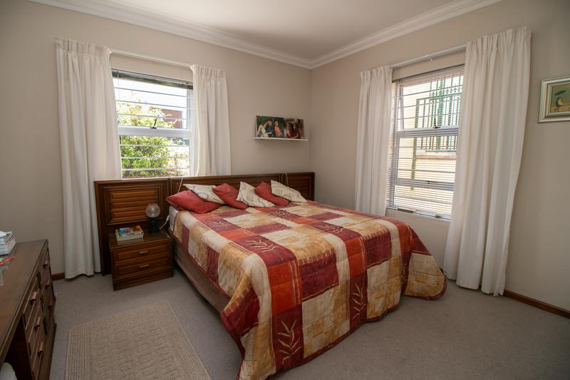 Property For Sale in Monte Sereno, Somerset West 12