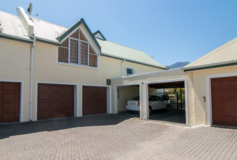 Property For Sale in Monte Sereno, Somerset West 20