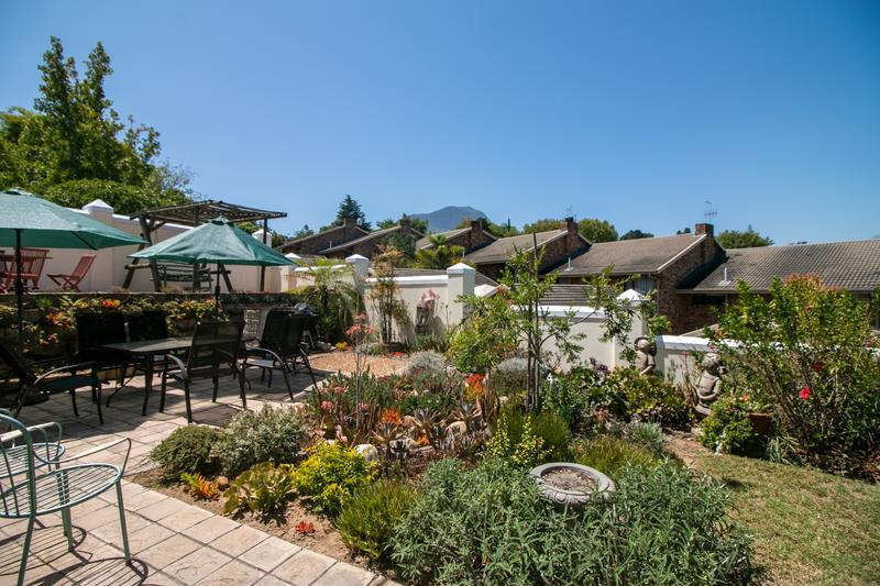 Property For Sale in Monte Sereno, Somerset West 21