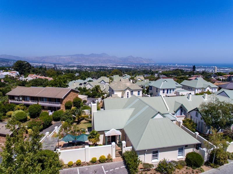 Property For Sale in Monte Sereno, Somerset West 14
