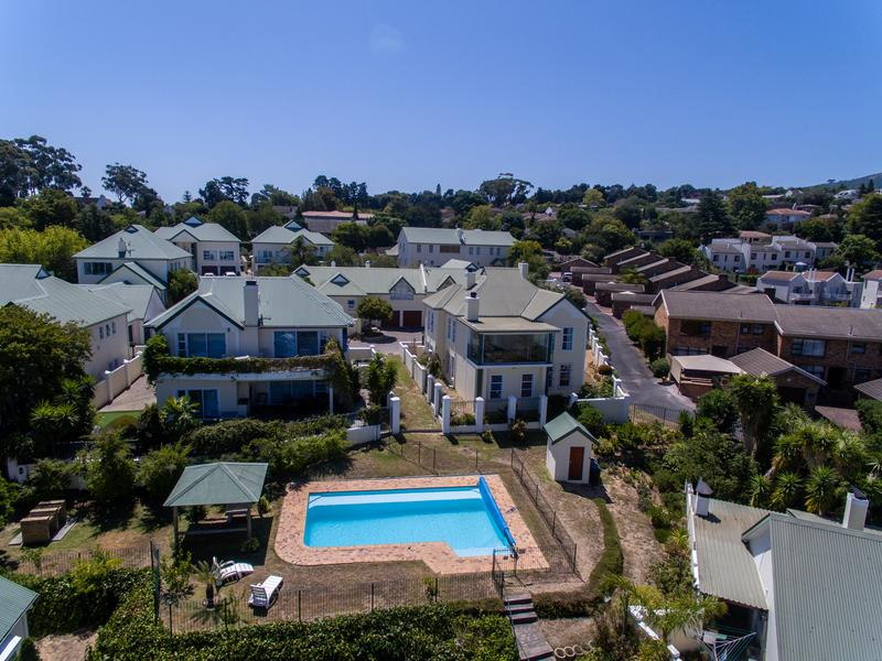Property For Sale in Monte Sereno, Somerset West 23