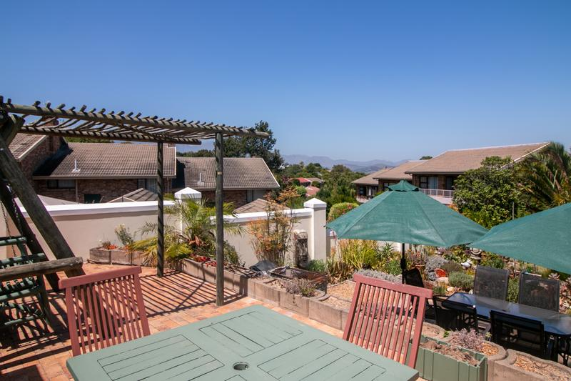 Property For Sale in Monte Sereno, Somerset West 24