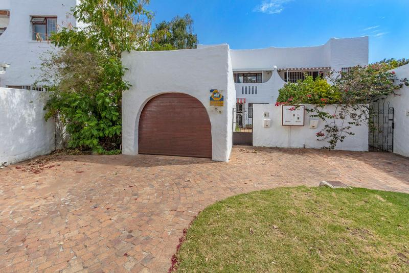 Property For Sale in Morningside, Somerset West 4