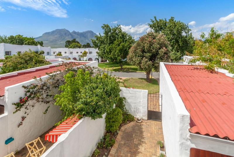 Property For Sale in Morningside, Somerset West 2