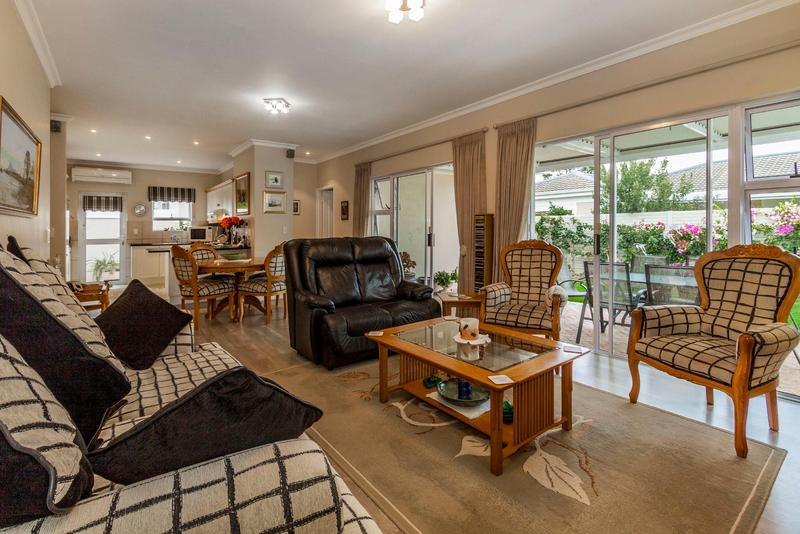 House For Sale in Heritage Park, Somerset West