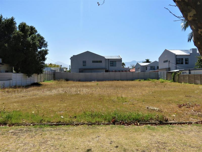 Property For Sale in Audas Estate, Somerset West 1
