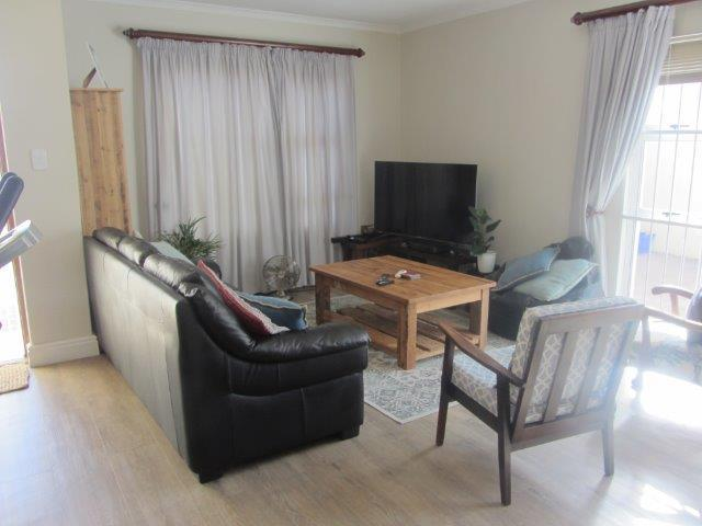 Property For Rent in Somerset Ridge, Somerset West 10