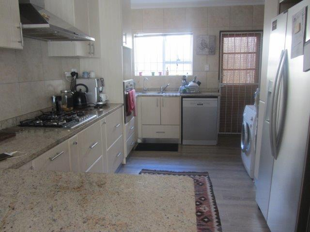 Property For Rent in Somerset Ridge, Somerset West 6