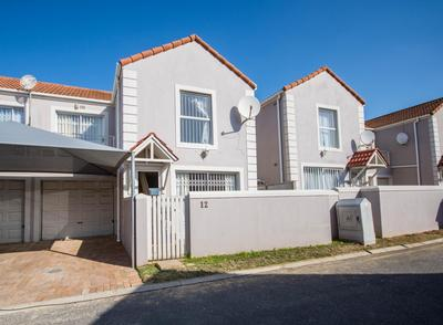 Townhouse For Sale in Somerset Ridge, Somerset West
