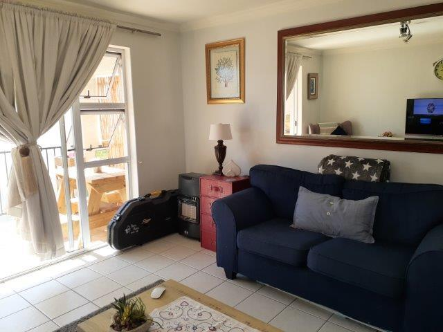 Property For Rent in Heritage Park, Somerset West 4