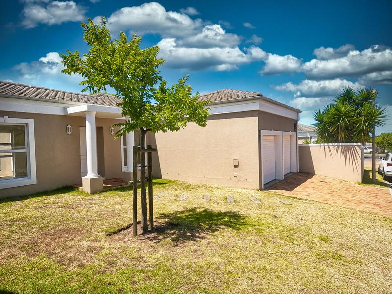 Property For Sale in Somerset Ridge, Somerset West 1