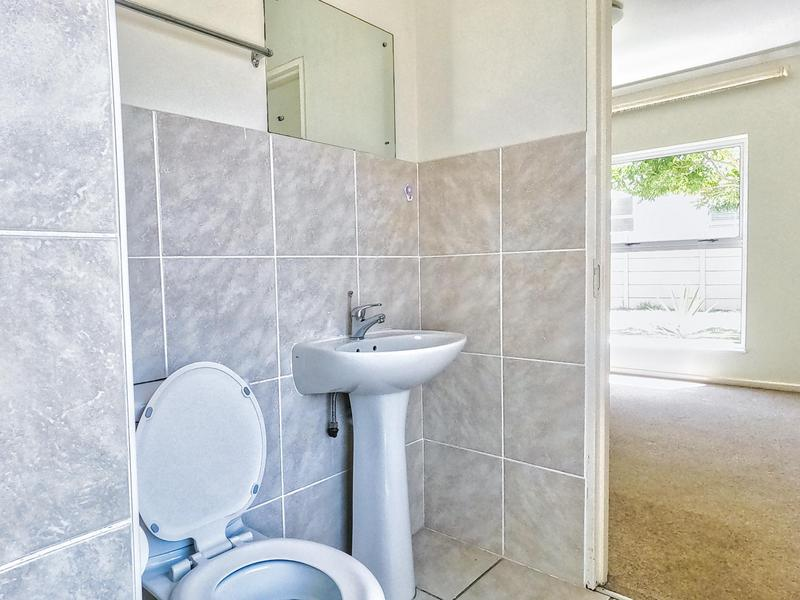 Property For Sale in Somerset Ridge, Somerset West 13