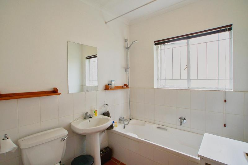 Property For Sale in Rome Glen, Somerset West 15
