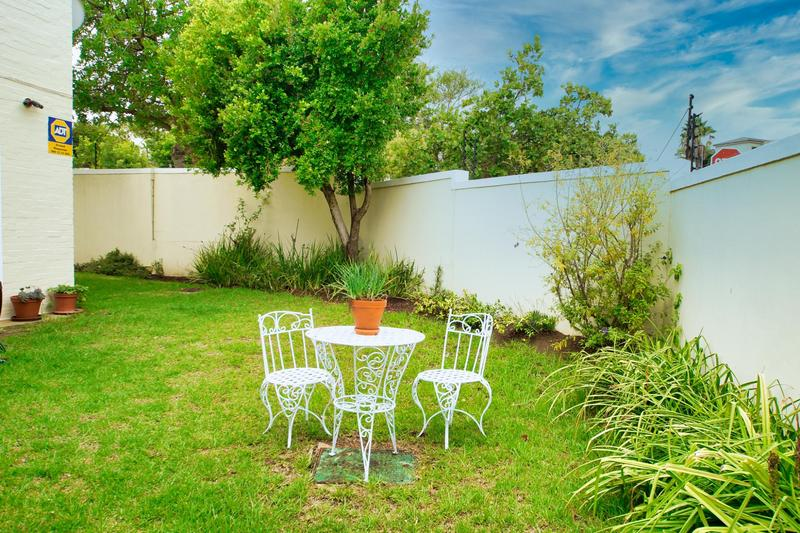 Property For Sale in Rome Glen, Somerset West 17