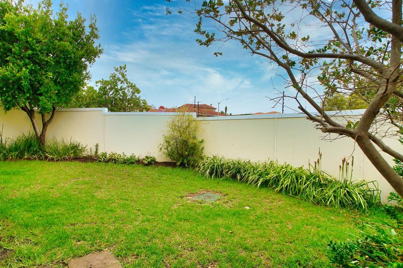 Property For Sale in Rome Glen, Somerset West 18
