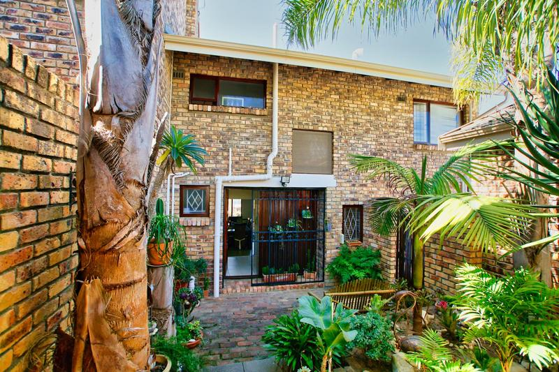 Property For Sale in Briza, Somerset West 3