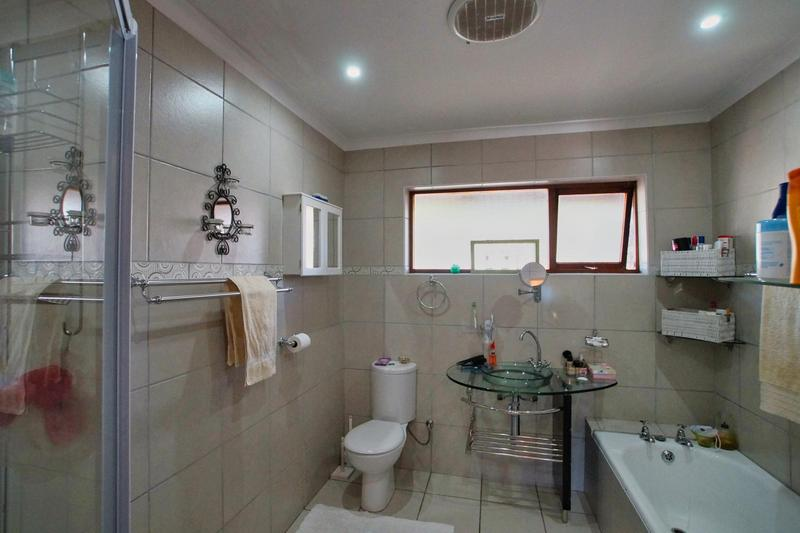 Property For Sale in Briza, Somerset West 19