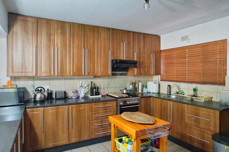Property For Sale in Briza, Somerset West 14