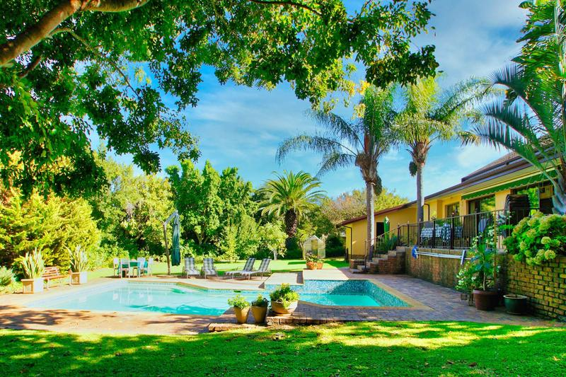 Property For Sale in Westridge, Somerset West 3