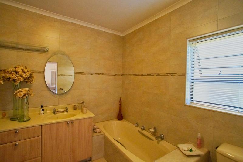 Property For Sale in Westridge, Somerset West 32