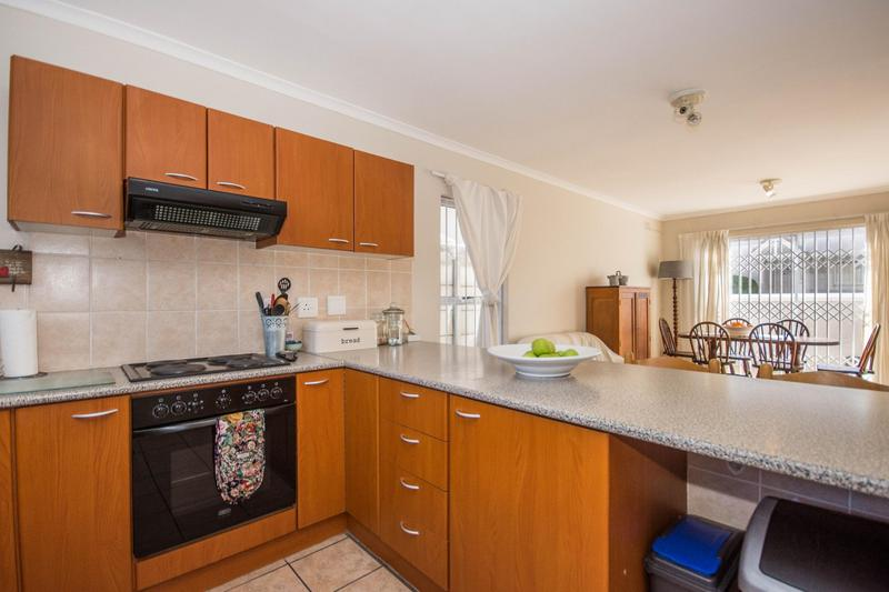 Property For Sale in Somerset Ridge, Somerset West 5