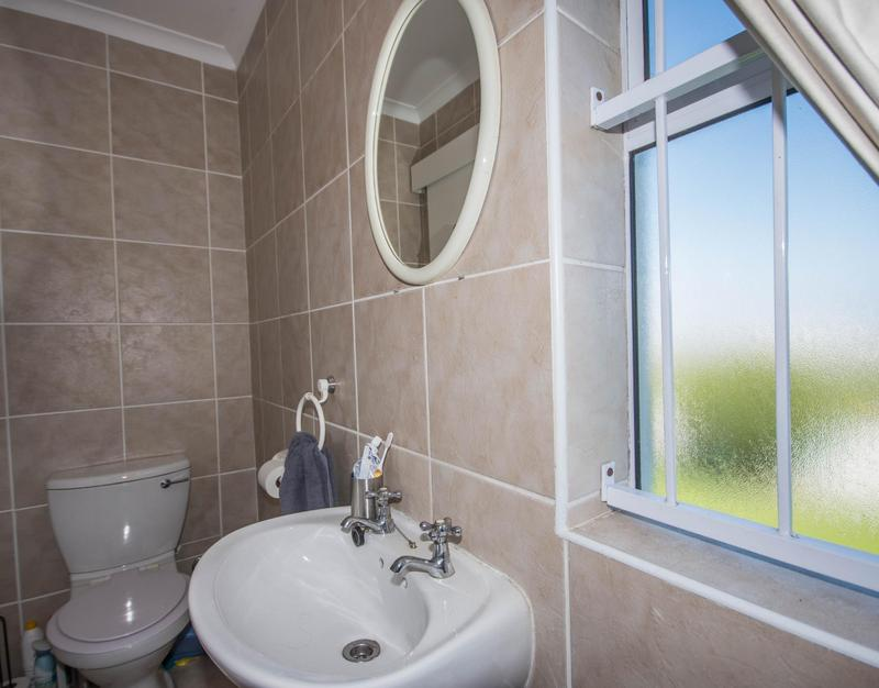 Property For Sale in Somerset Ridge, Somerset West 12