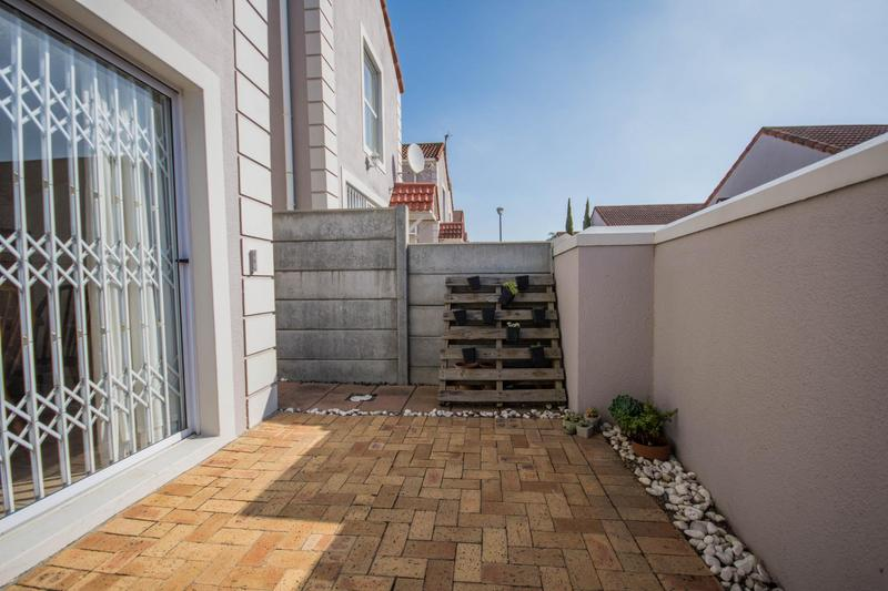 Property For Sale in Somerset Ridge, Somerset West 14