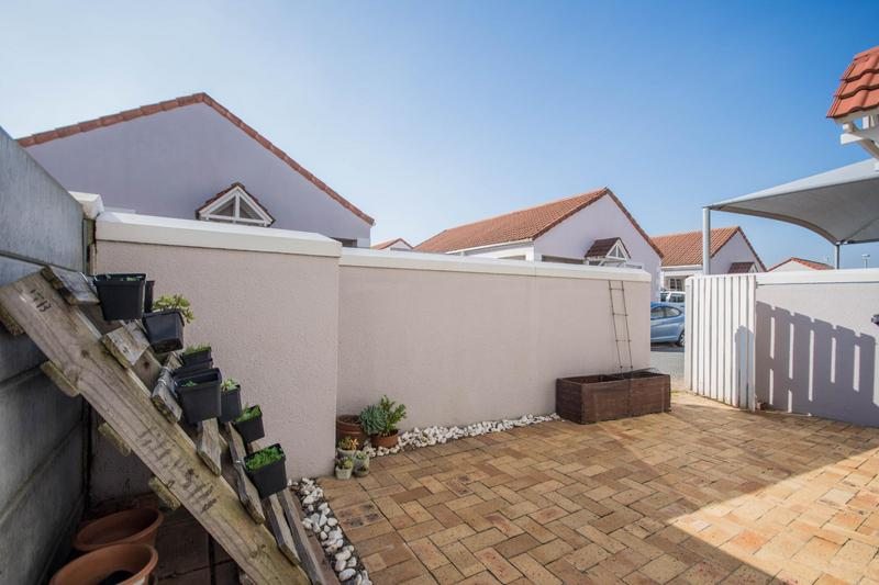 Property For Sale in Somerset Ridge, Somerset West 15