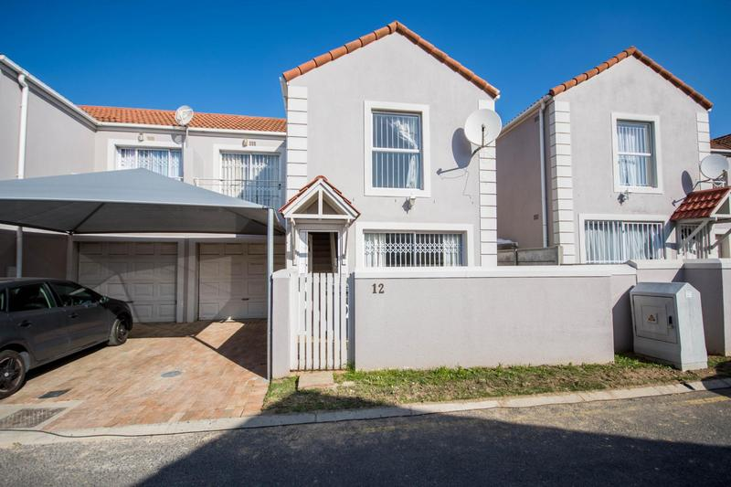 Property For Sale in Somerset Ridge, Somerset West 17